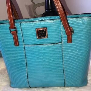 Dooney & Bourke tote bag and matching wallet